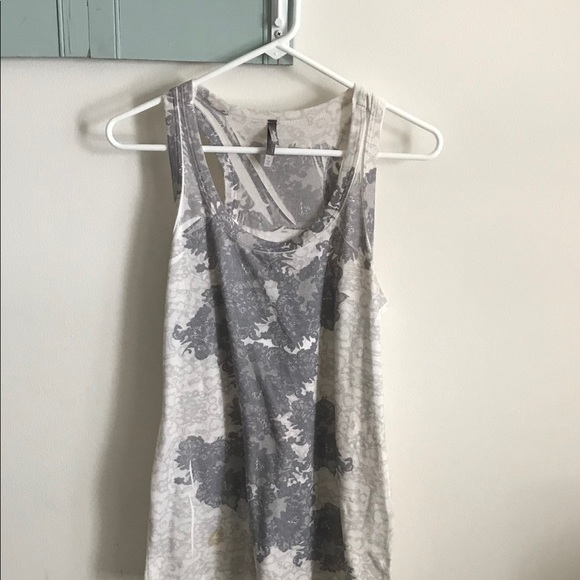 Charlotte Russe Tops - 🔹Charlotte Russe Tank-Top🔹